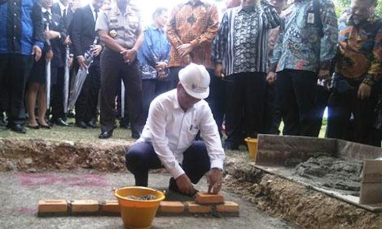 Menteri Riset, Teknologi dan Pendidikan Tinggi, Mohamad Nasir Melakukan Peletakan Batu Pertama Iteba